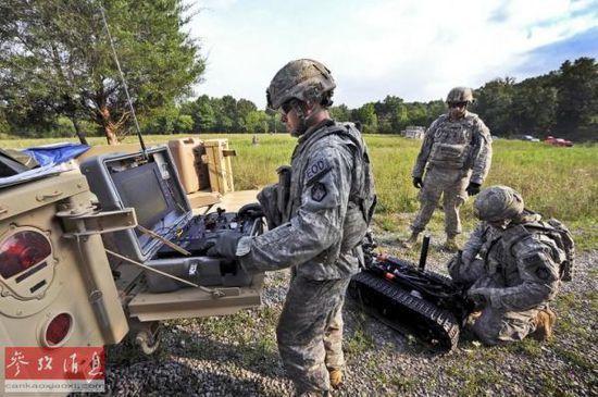 美军称用机器人支援力量