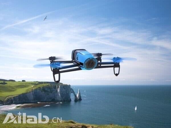 派诺特发布新功能:Bebop无人机自动化飞行