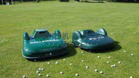 [图]类似扫地机器人:高尔夫球机器人亮相