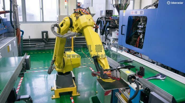 疯狂的机器人:台湾大型自行车零件制造厂跟踪参观