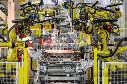 """机器人""""点亮""""汽车智能制造: AMTS 2015回顾之FANUC"""