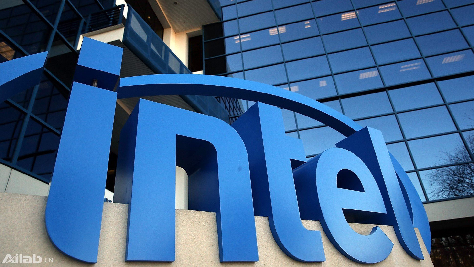 PC溃败了,转型物联网、云计算的英特尔还有一搏之力吗?