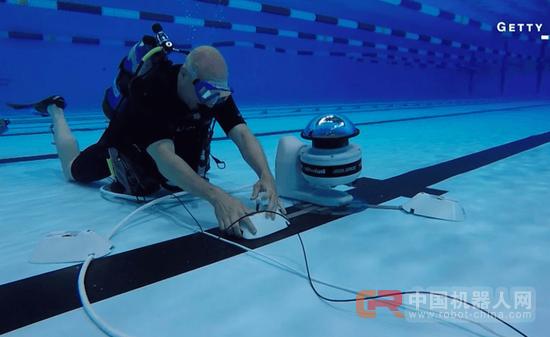 有了水底摄影机器人 你能从新角度看孙杨们比赛
