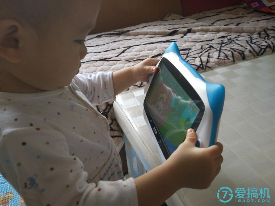 教育更省心-巴巴腾AR教育机器人测评