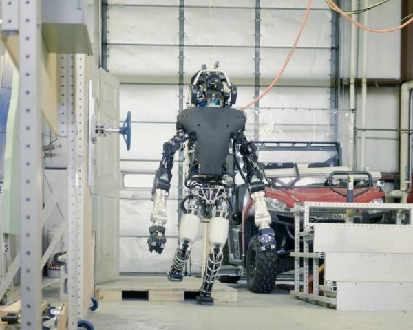 机器人Atlas:它的系统比战斗机还复杂