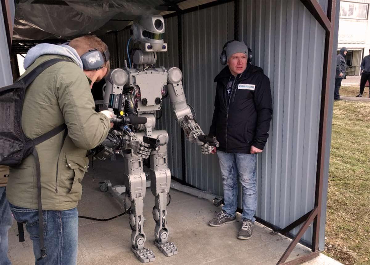 俄罗斯作战人形机器人-俄罗斯战斗机器人