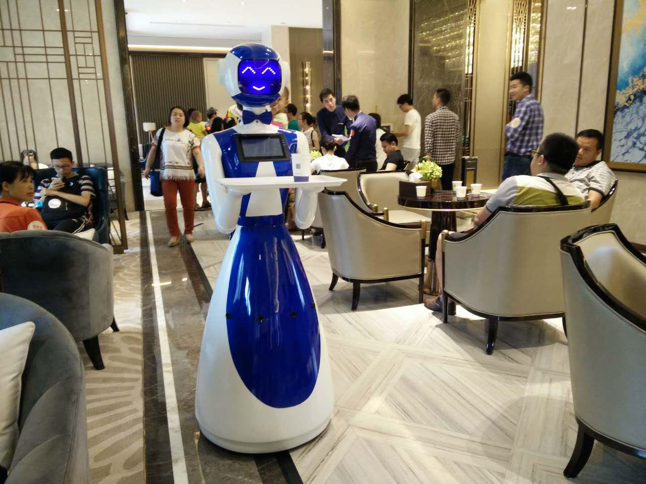 三代餐厅送餐机器人