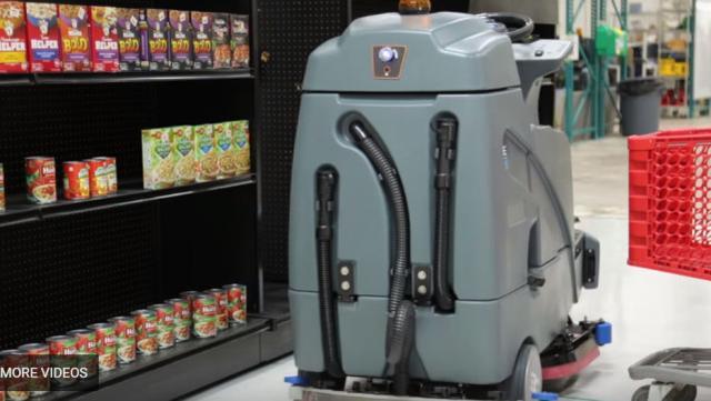 沃尔玛推出自动驾驶机器人 可以帮助打扫楼面清洁