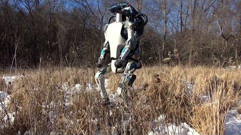 波士顿阿特拉斯机器人