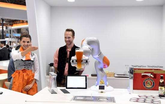 东京国际机器人展现场机器人机械手展示