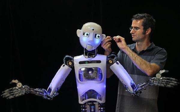 做人工智能和机器人需要研究哪些领域?