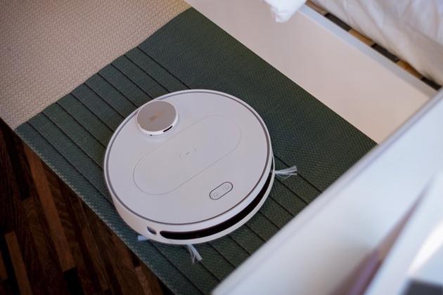 360发布智能扫地机器人 搭载无人驾驶技术