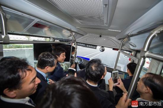 无人驾驶公交又来了!又要刷爆深圳这地方人的朋友圈