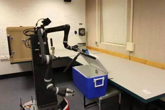 """研究人员帮助机器人""""思考"""",并进行抽象的计划"""