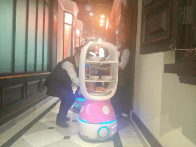 擎朗智能:加速推进商用服务机器人应用场景落地