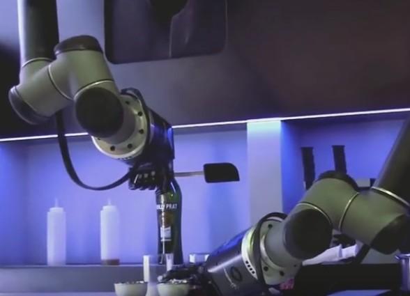 英国厨房机器人会做100道菜