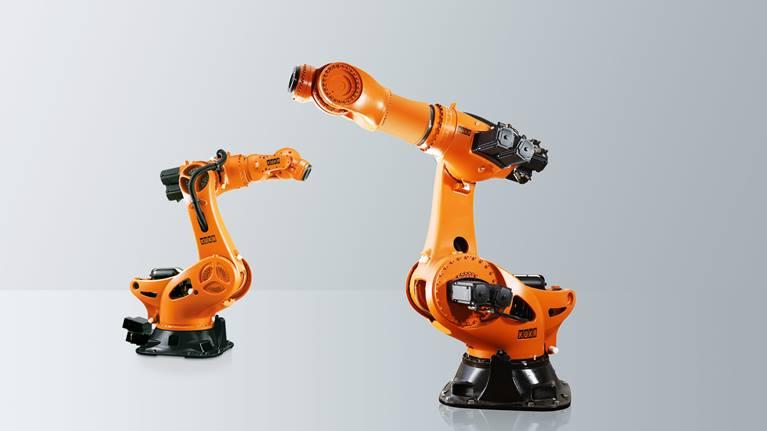 KR 1000 titan 是我们力大无穷的重载型机器人。该六臂机器人也可以从远处安全、精确地移动最重的部件和组件。