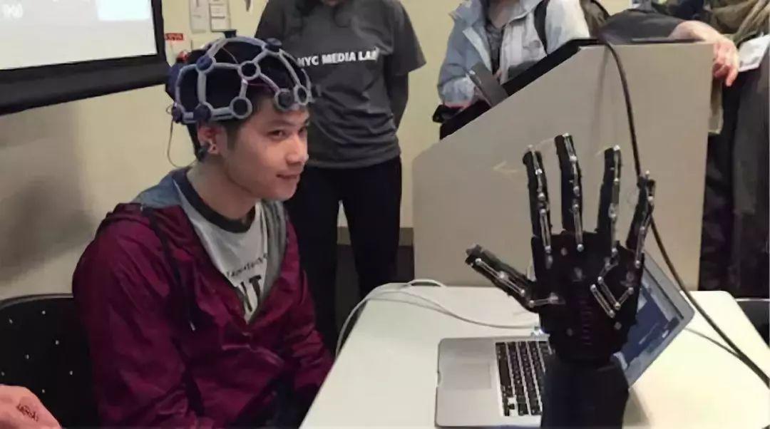 详解|从脑波到机器人运动 使用深度神经网络对大脑活动进行解码
