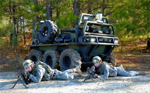 美陆军将研发无人机通用控制器 单兵可控制成群无人机