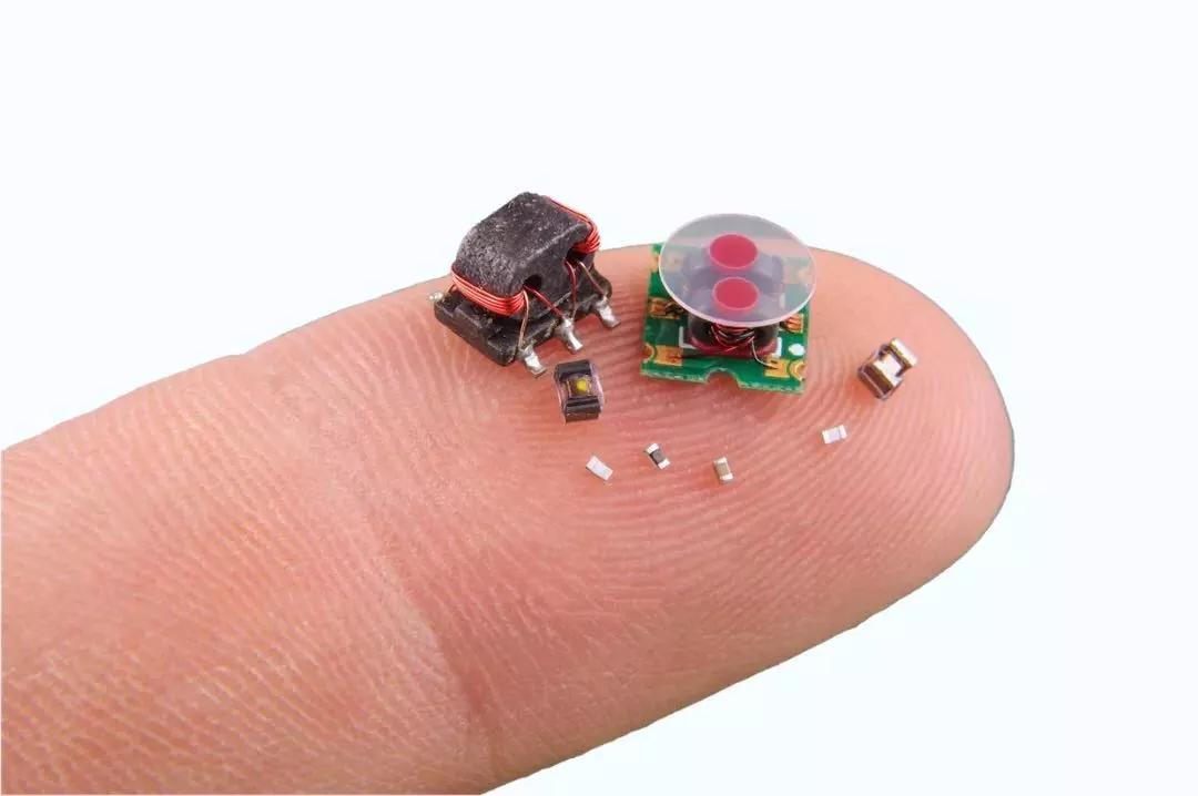 """美国国防部刚刚为微型机器人策划了一场""""迷你奥运会"""""""