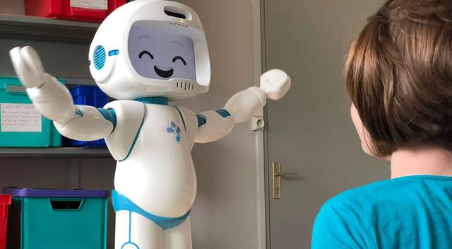 智能机器人帮助儿童治疗自闭症