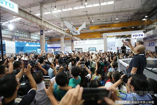 世界机器人大会上的各种高精尖机器人