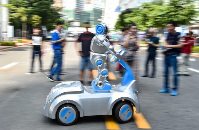 服务机器人或迎风口:业界表示这些问题不解决将影响行业发展