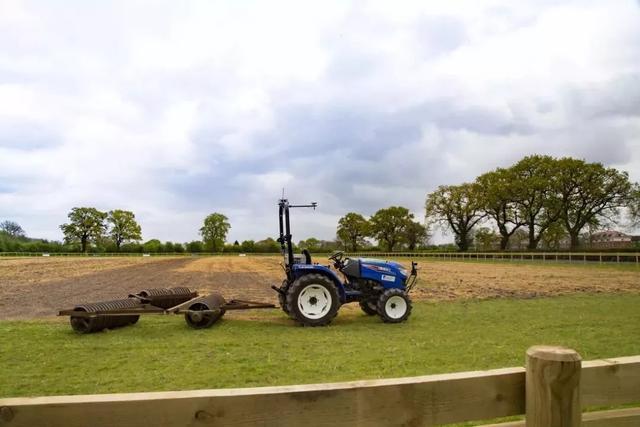 未来农业发展图谱:机器人、LED灯、无人机、区块链、新能用