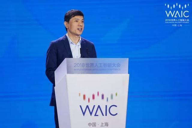 李彦宏:不够AI化的企业将被取代