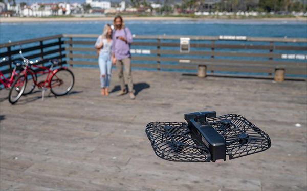 零零科技发布Hover 2可折叠无人机 可发现并规避障碍物