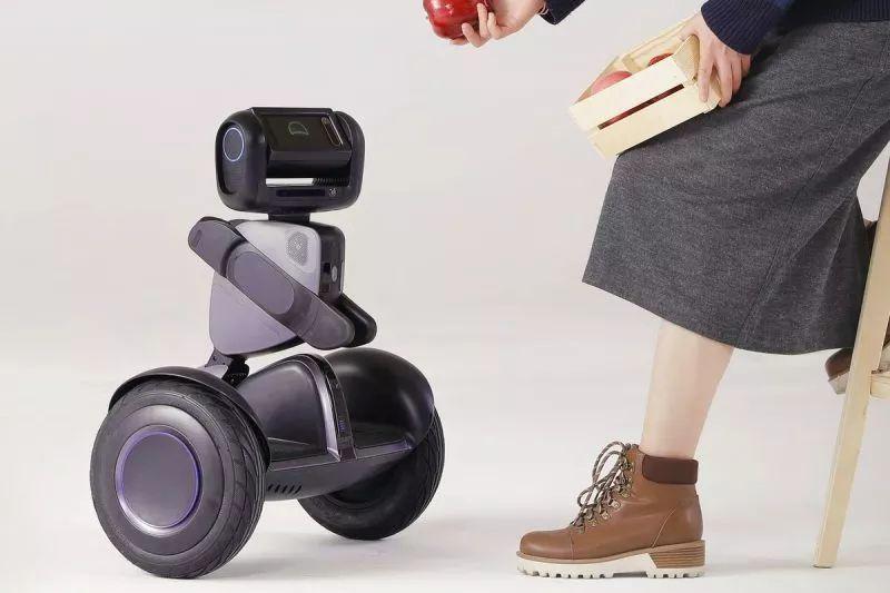 segway的loomo机器人在与美国警察进行安防协作测试