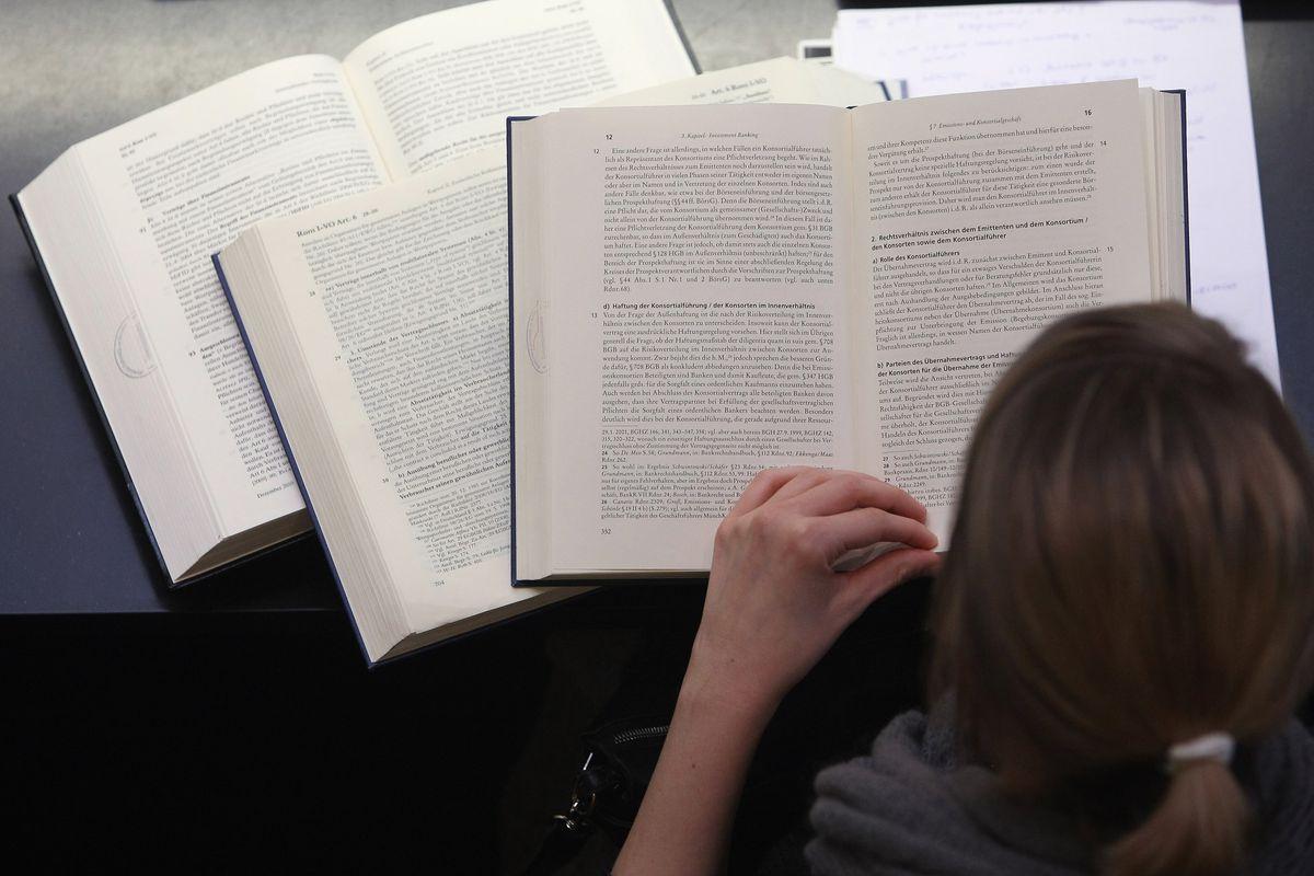 机器人作家水平如何?第一本人工智能生成的书籍问世
