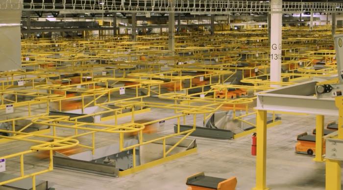 亚马逊新Pegasus机器人将工人从重活中解放出来