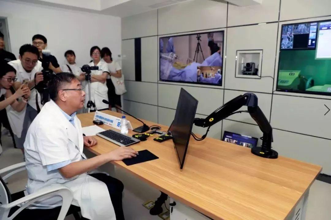 全球首例!5G+机器人让远程实时手术成为可能