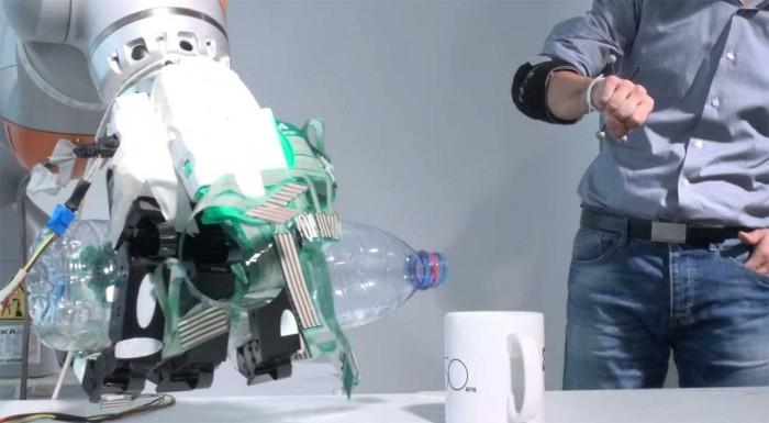 科学家研发全新遥控机械手 有望改变截肢者的生活