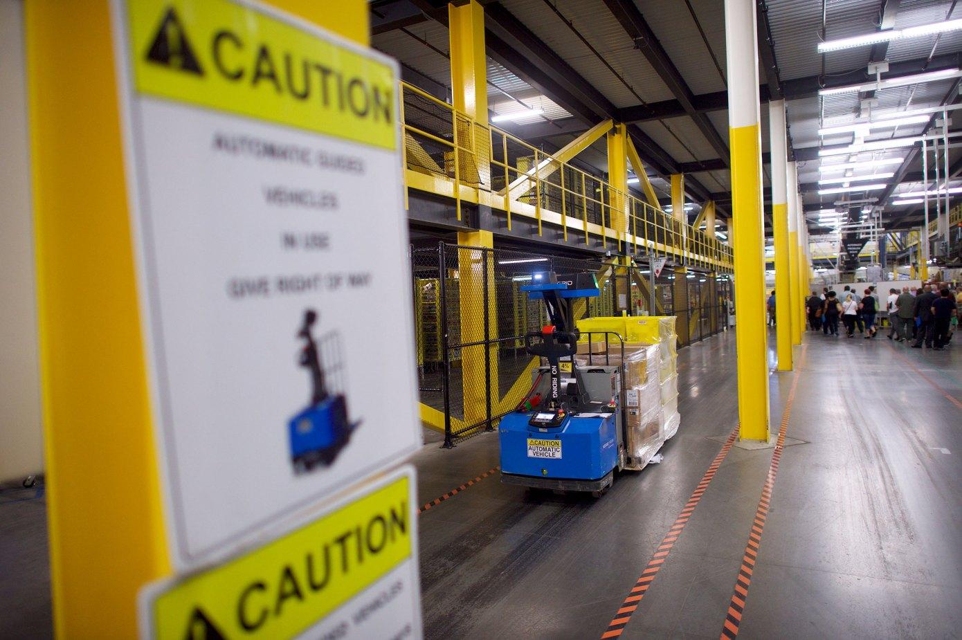 亚马逊计划建一个4000万美元的机器人中心