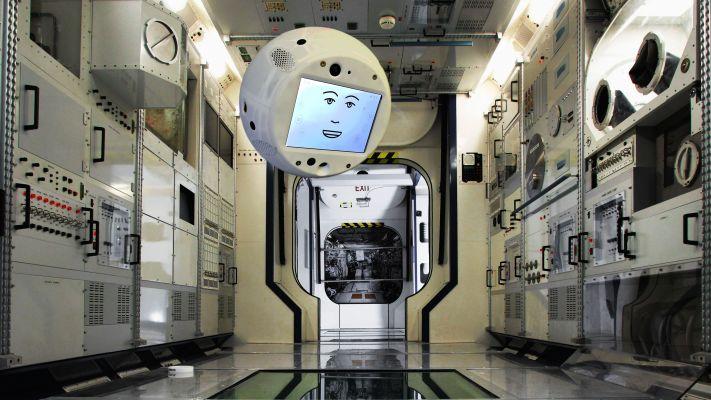 搭载人工智能的太空机器人CIMON 2乘SpaceX抵达国际空间站