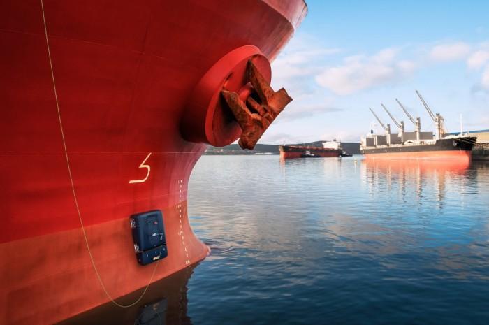 全新水上机器人可在船体爬行 以清除藤壶等生物